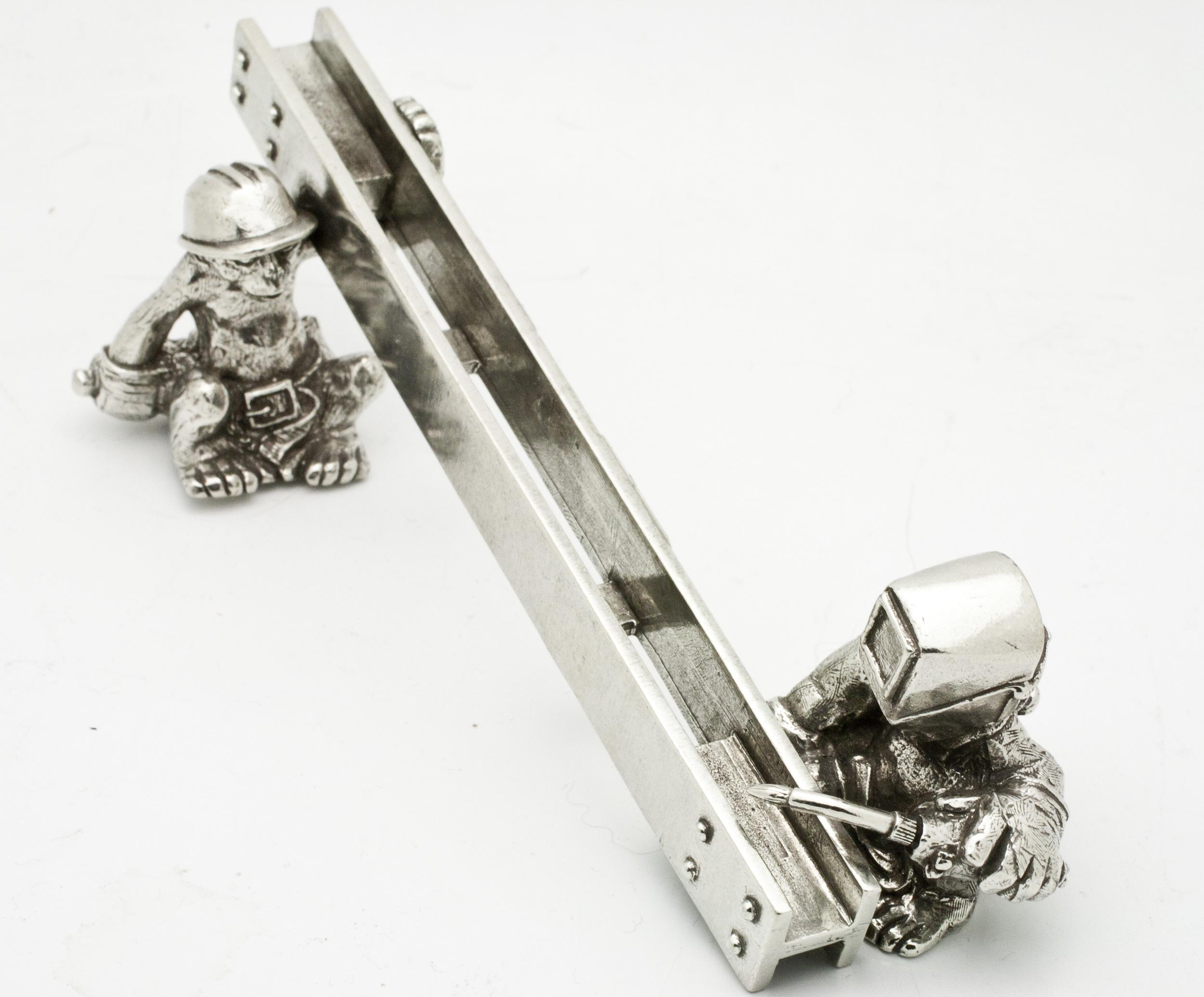 Jac Zagoory Pen Holder