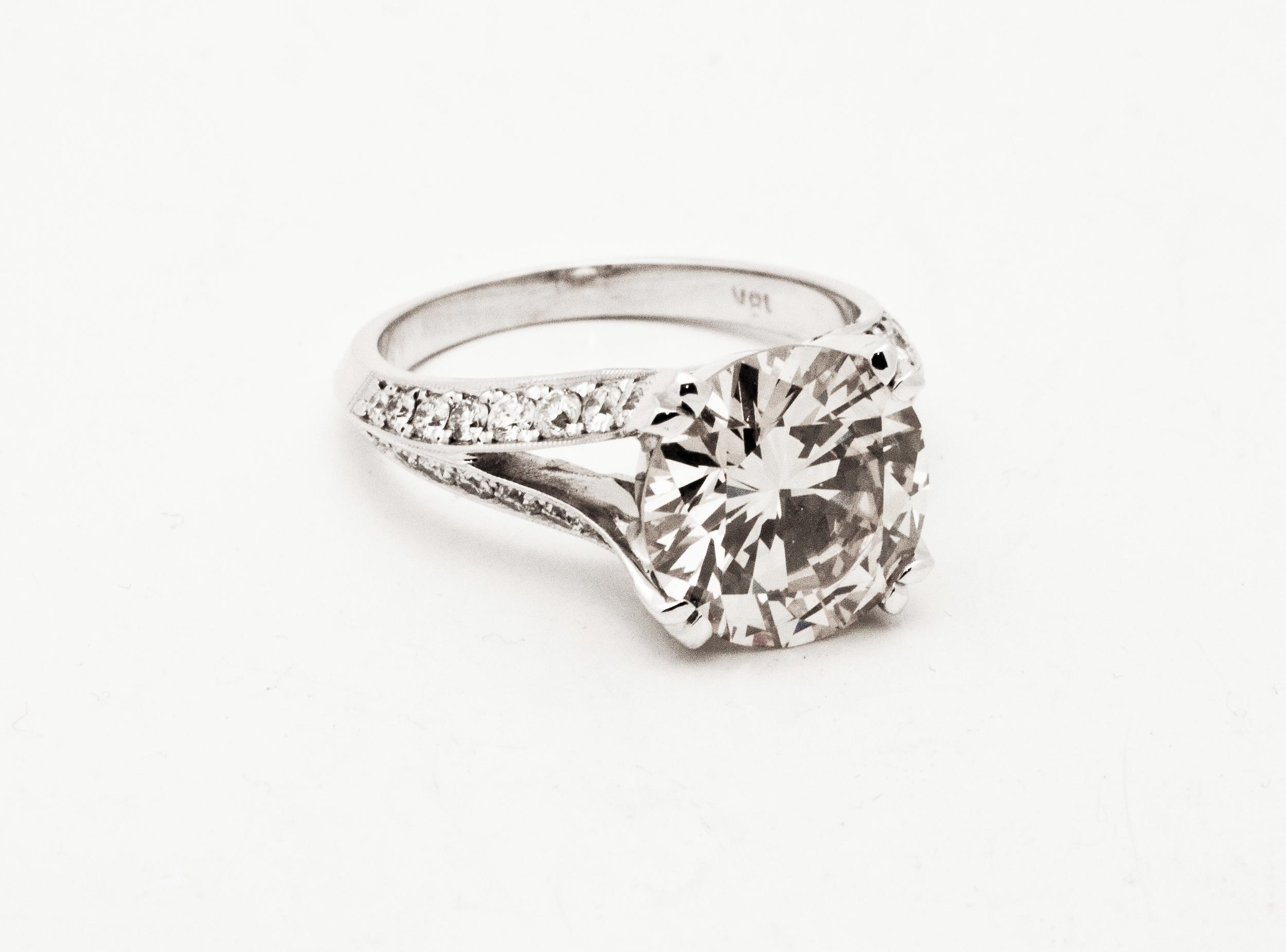 bn rd diamond w split shank.jpg