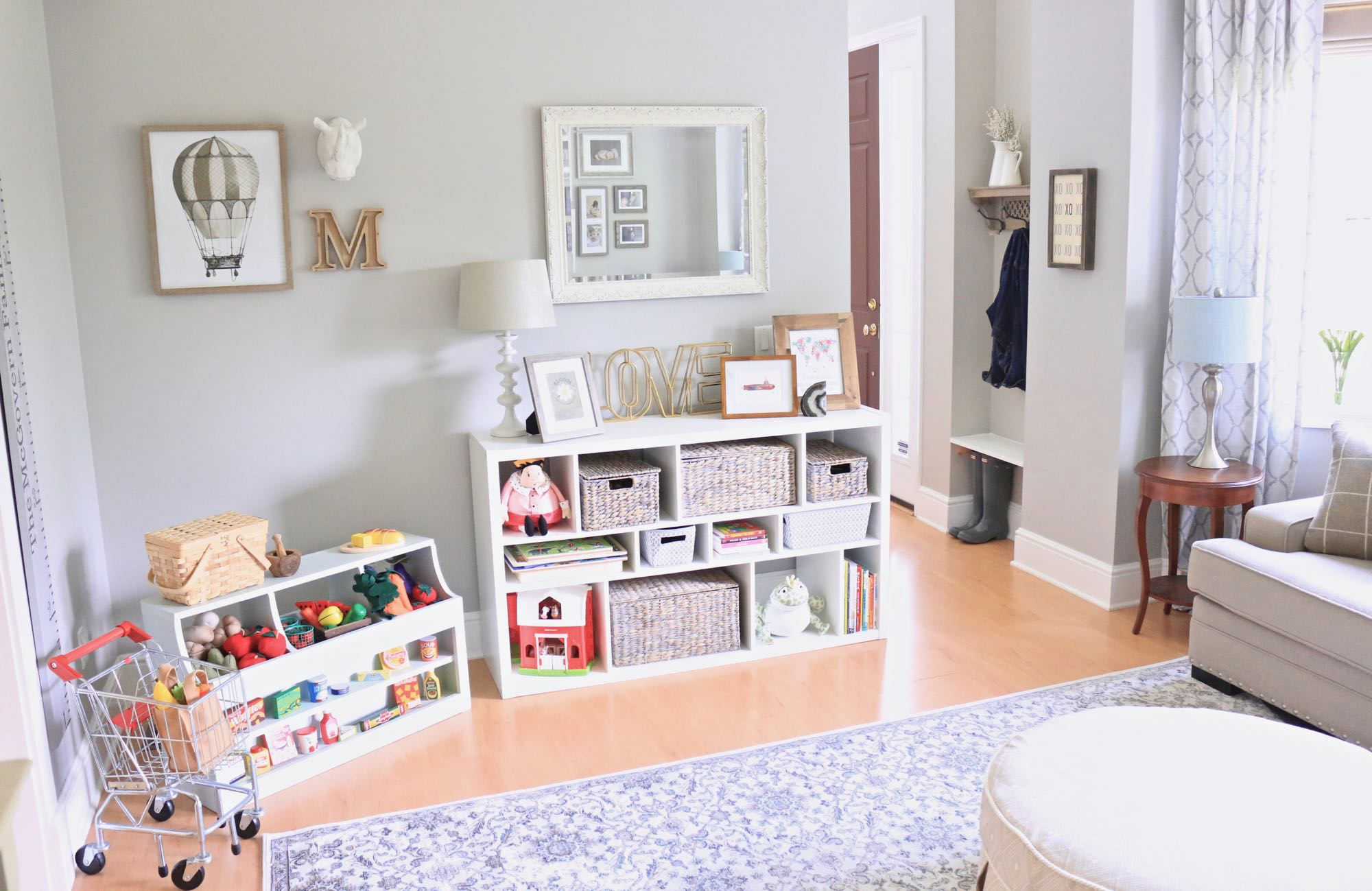 Traditional Play Room Play, Entry & Seating