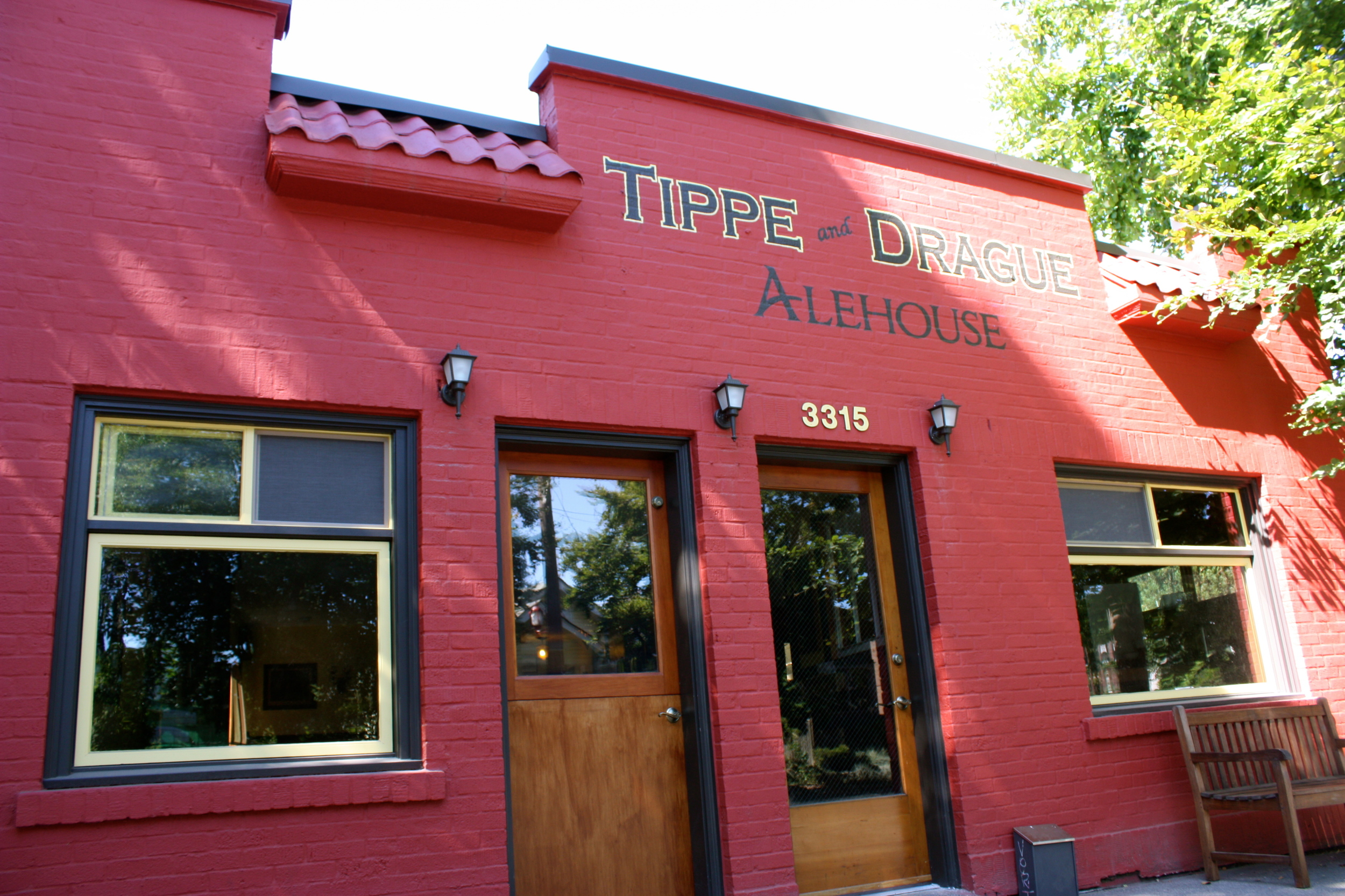 Tippe and Drague Alehouse - Beacon Hill