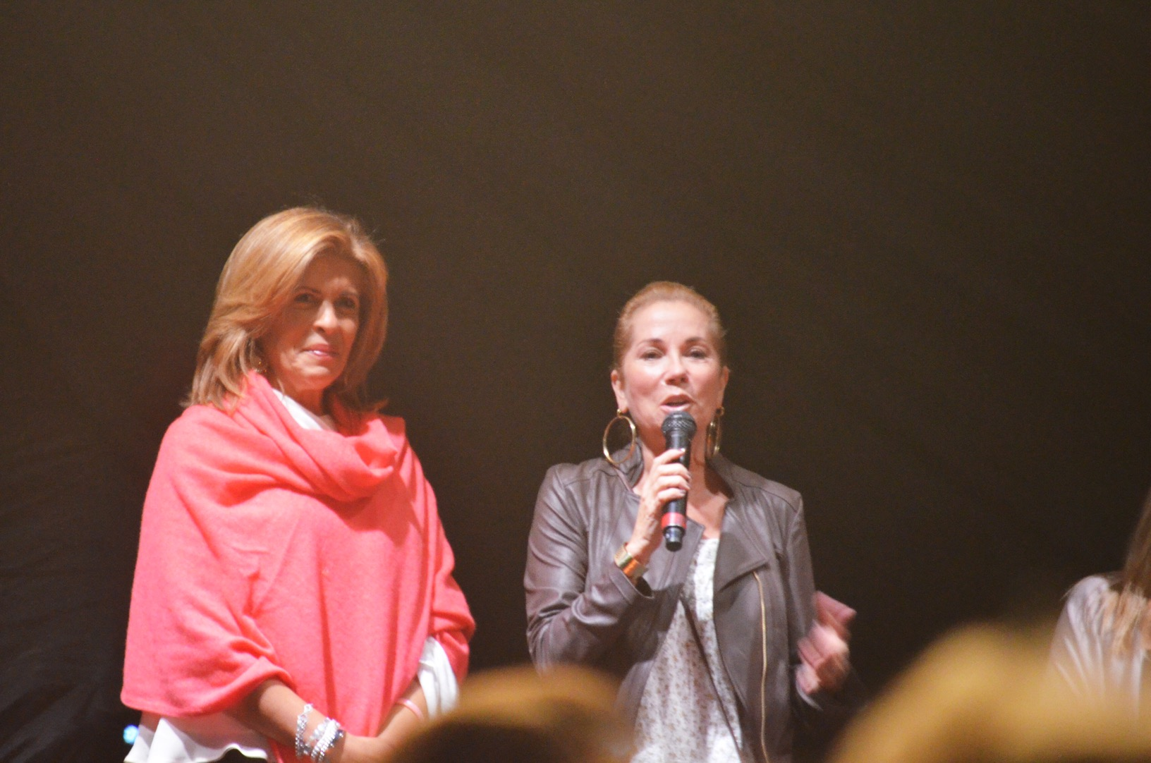 Kathie Lee Gifford and Hoda Kotb introducing Little Big Town to the crowd
