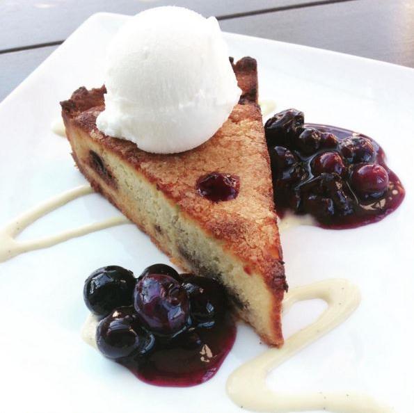 Almond Blueberry Tart via  @pastrychefberne