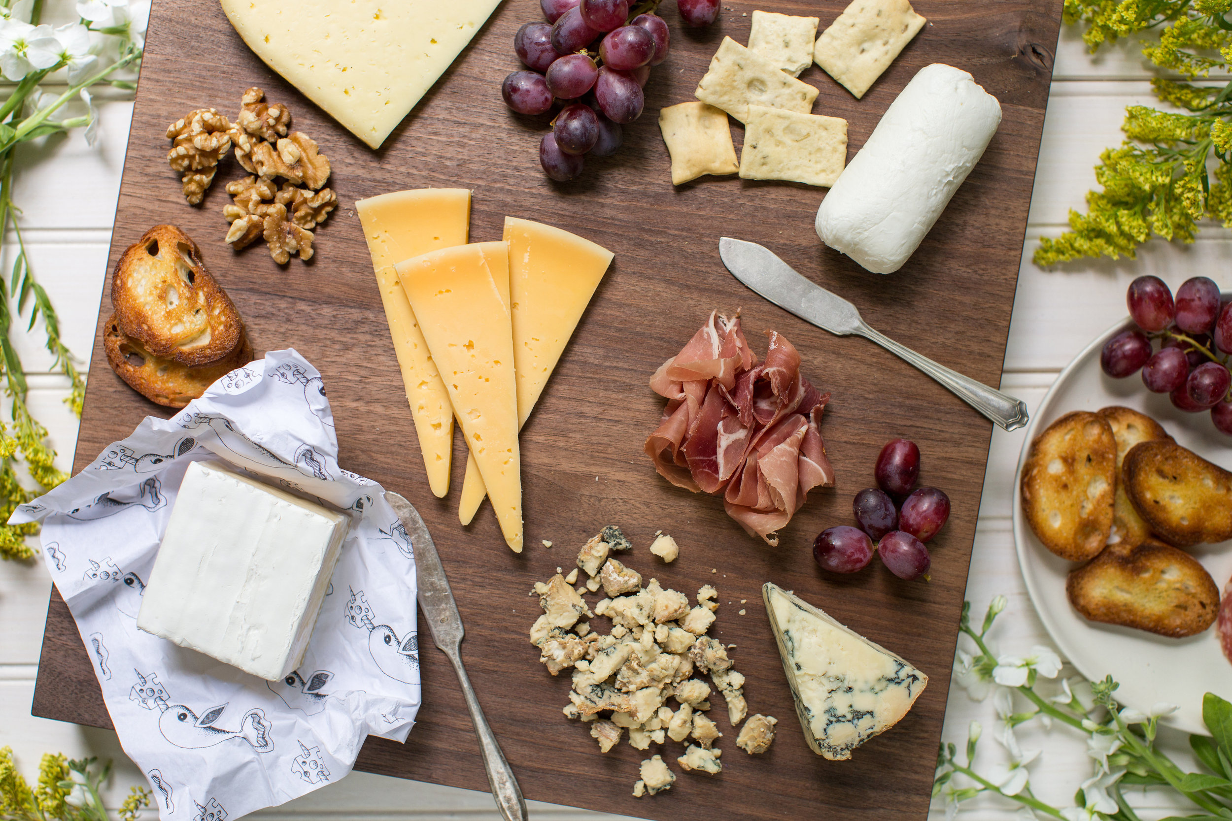 How To Make The Perfect Connecticut Cheese Plate | CTEatsOut.com