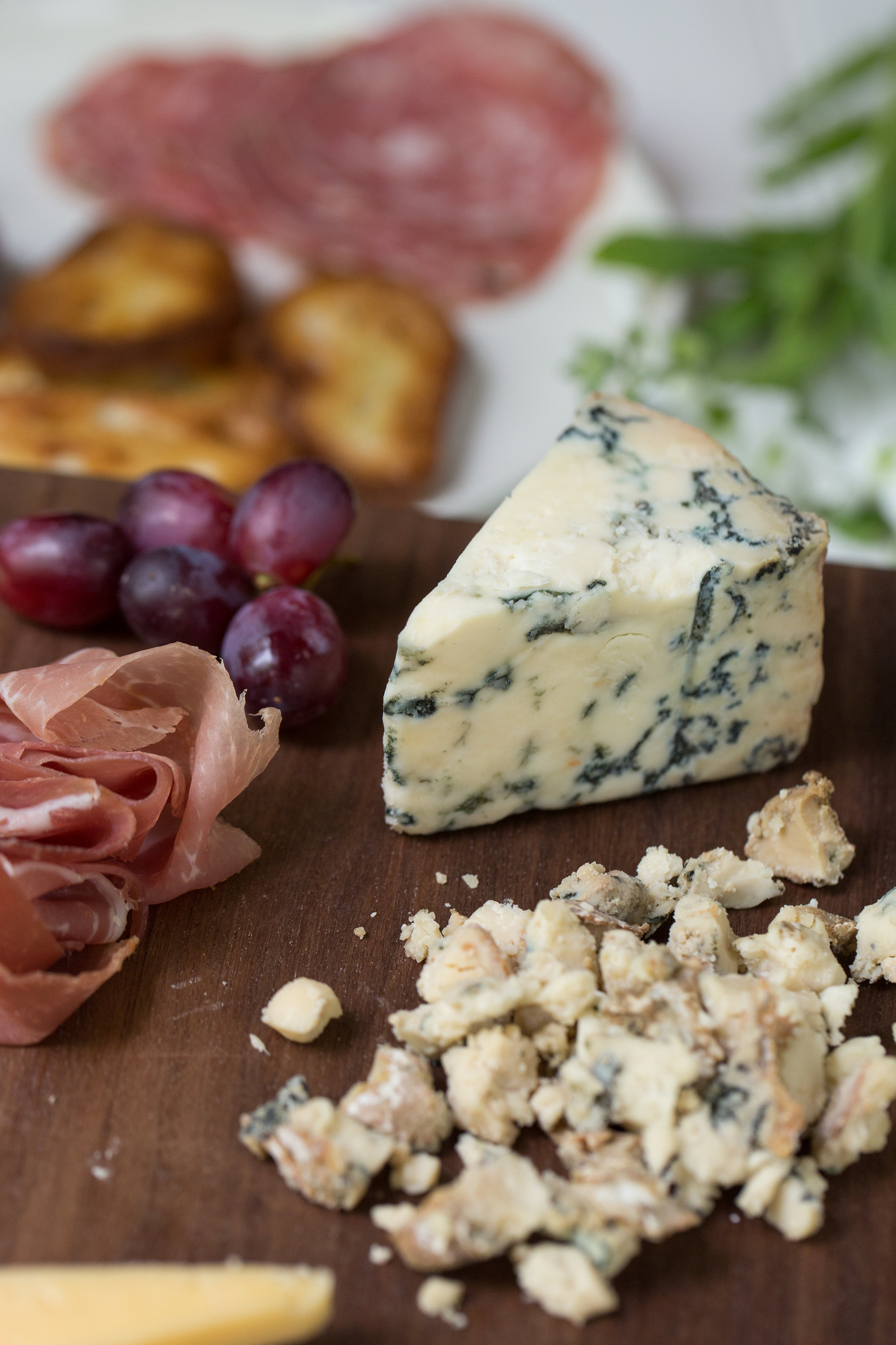 How To Make The Perfect Connecticut Cheese Plate