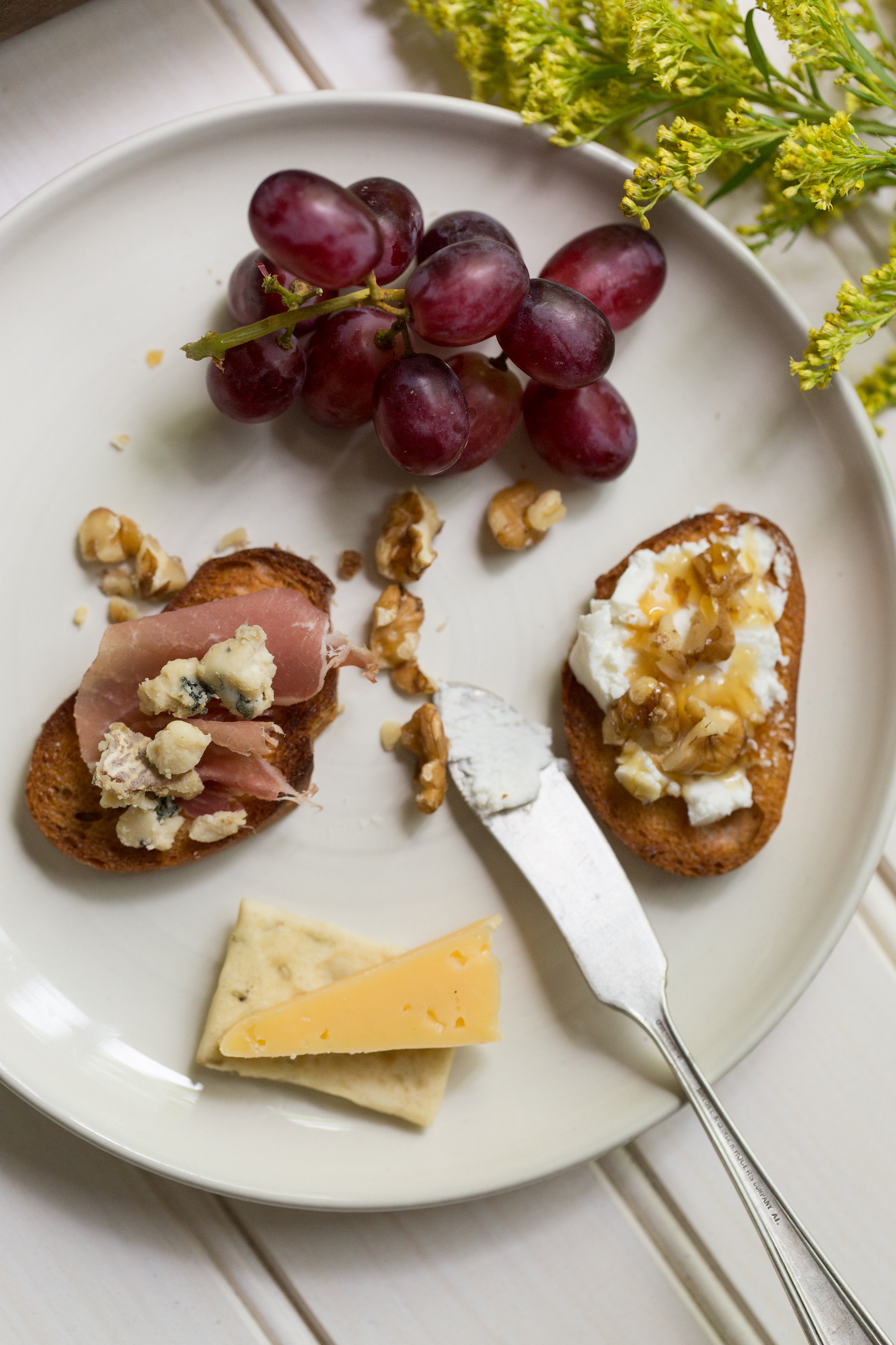 Hosting a dinner party? Make a Connecticut Cheeseplate