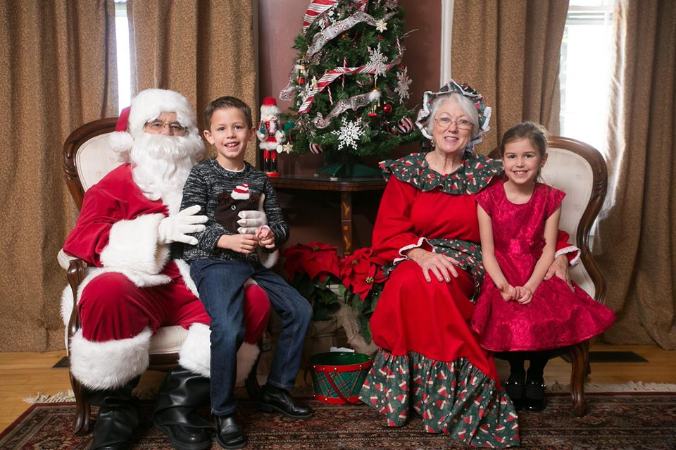 brunch with santa at the lyman homestead