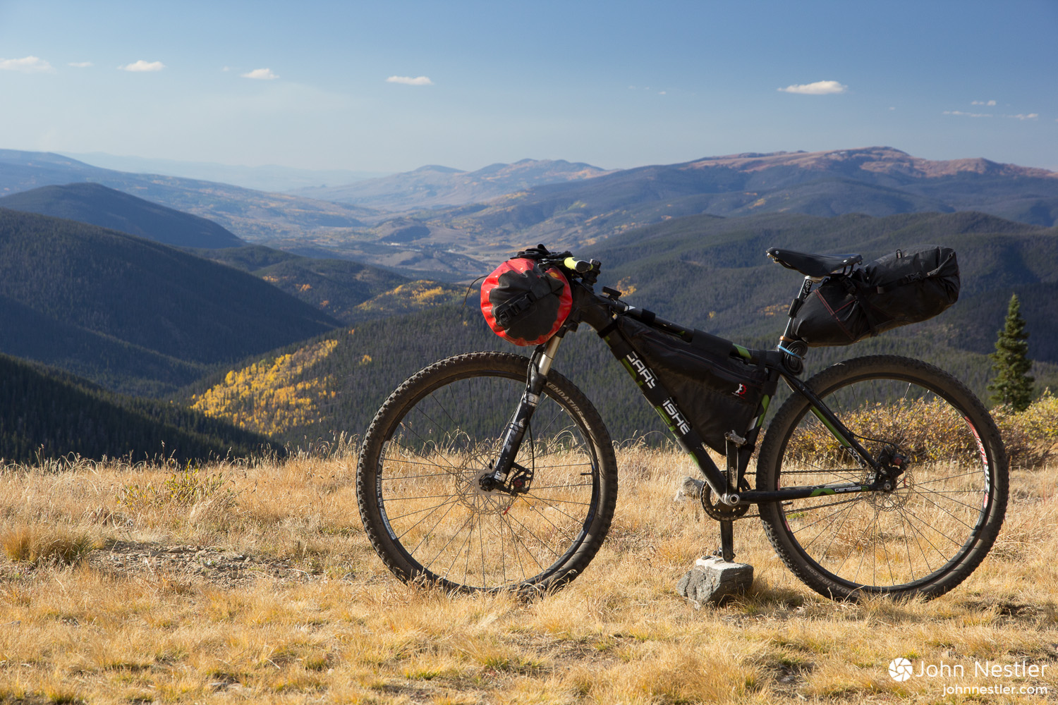 The trusty bike hanging out above treeline at Georgia Pass.