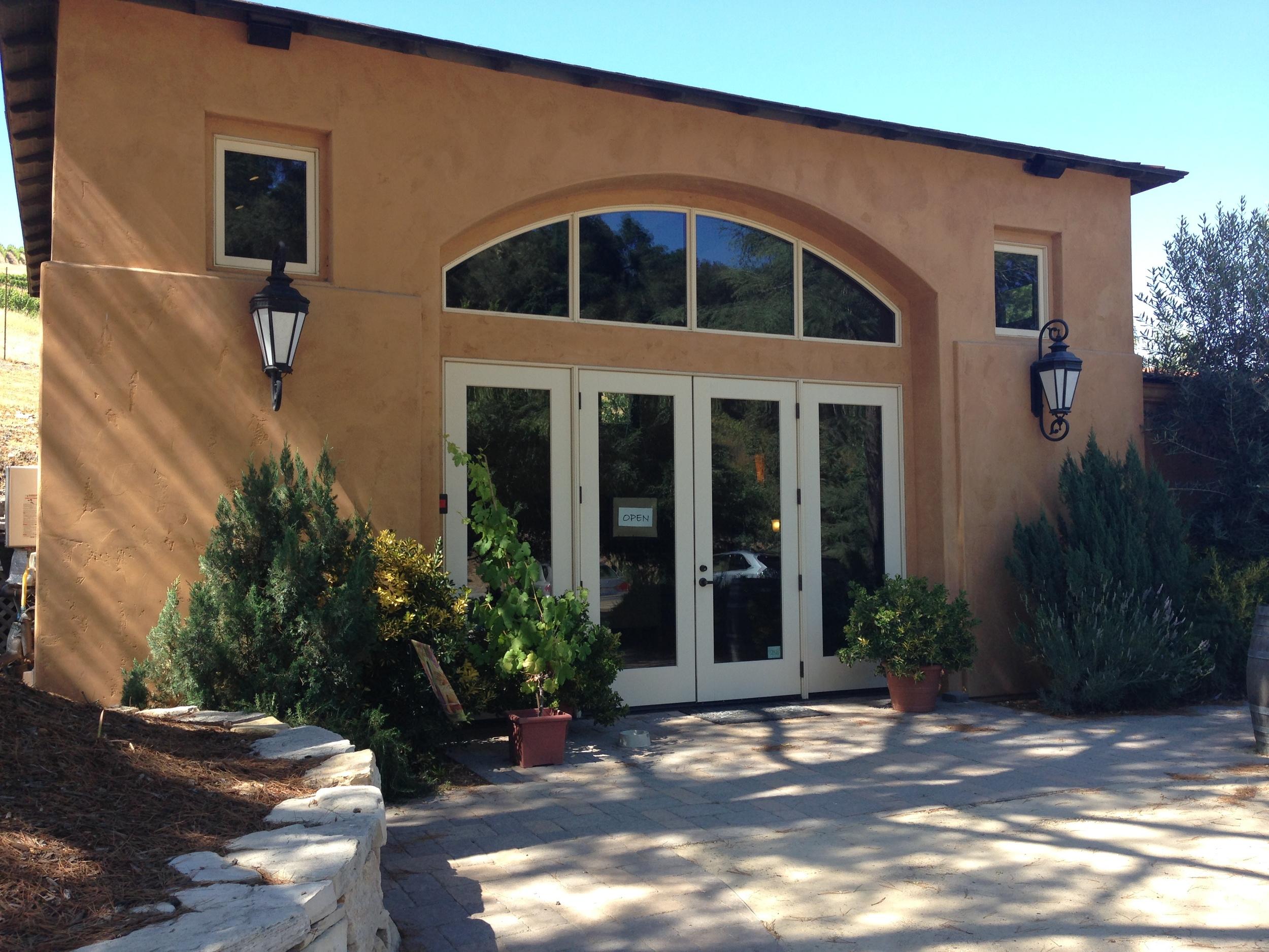 Caliza Winery tasting Room | VAULT29