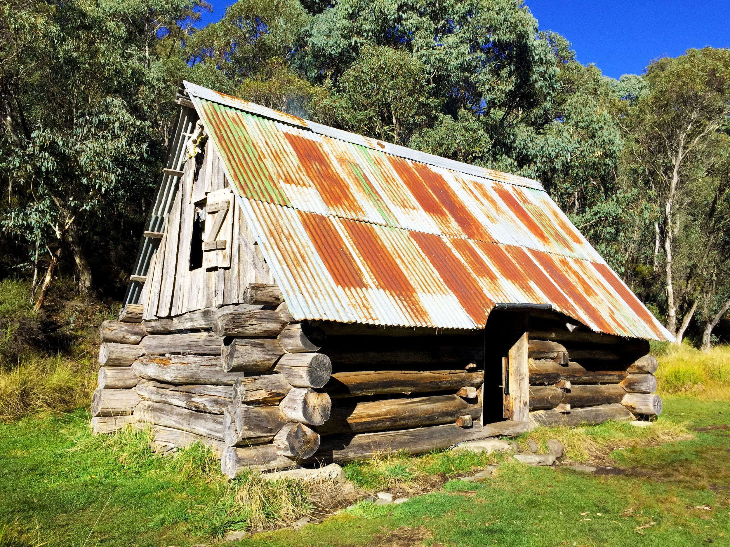 The iconic Dibbin Hut seated on the plains of the Cobungra River