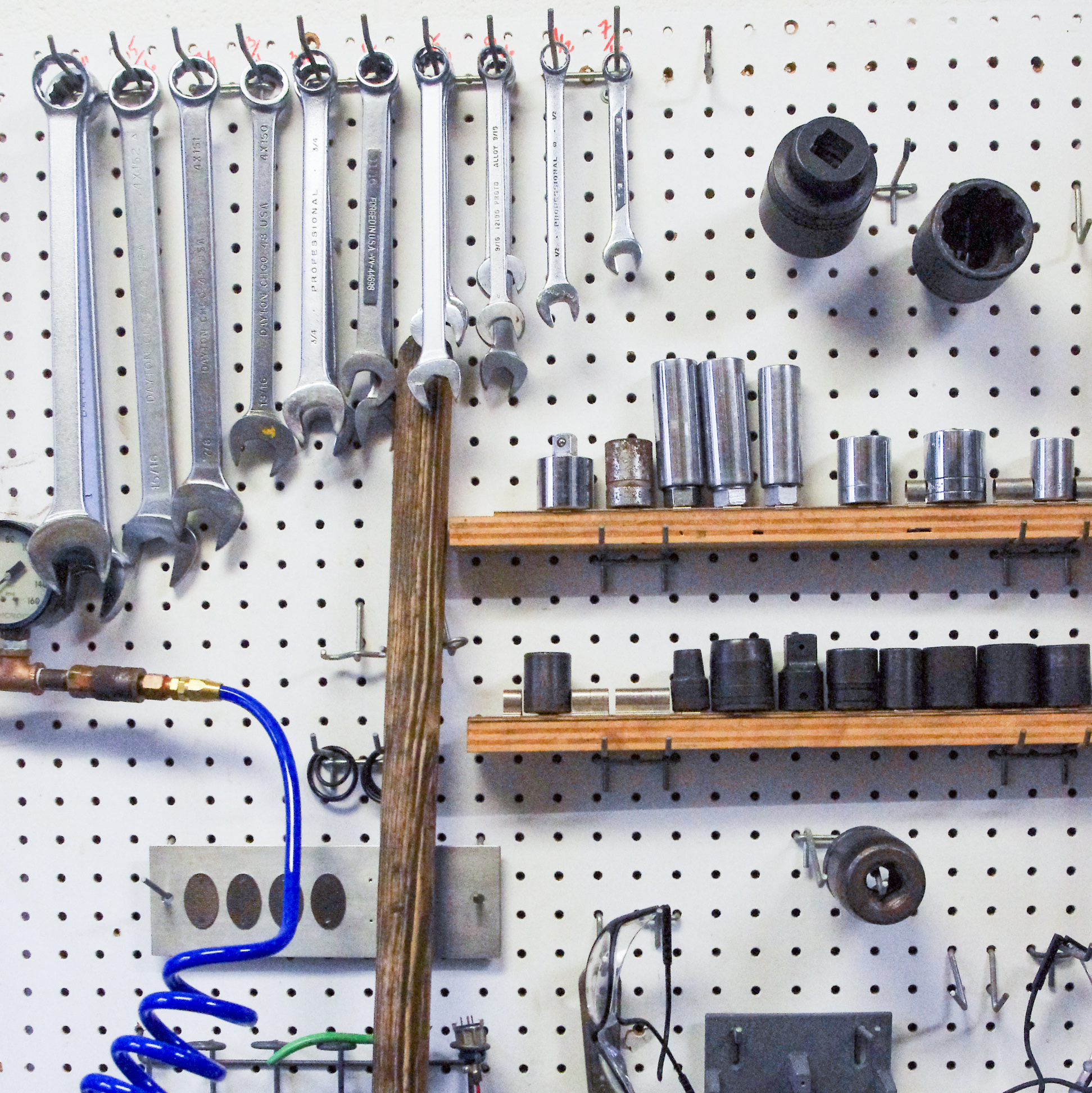 Tools in the Rock and Ice Mechanics lab