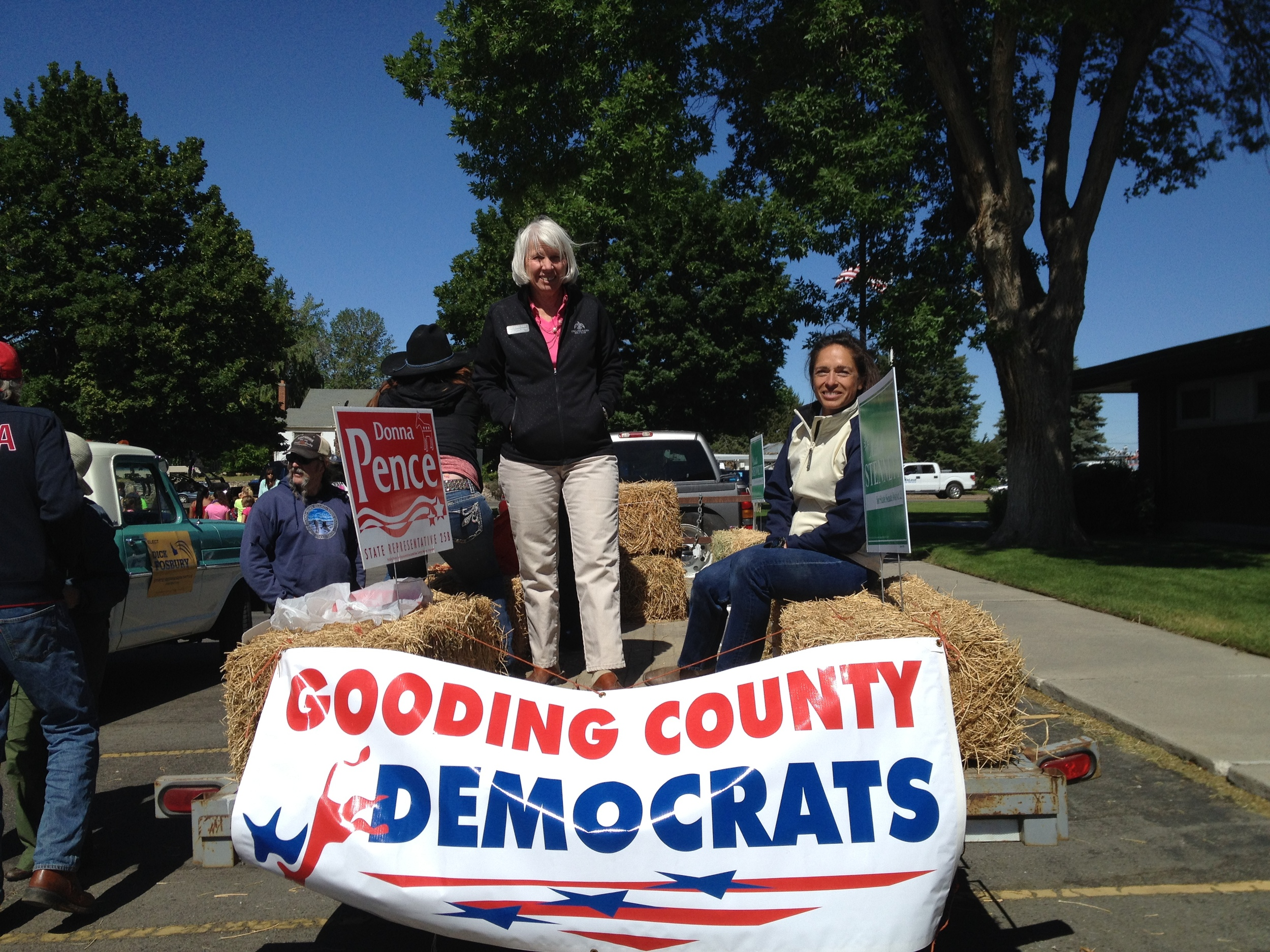 Michelle and Donna Pence, Gooding County Democrats parade float, Wendell Dairy Days