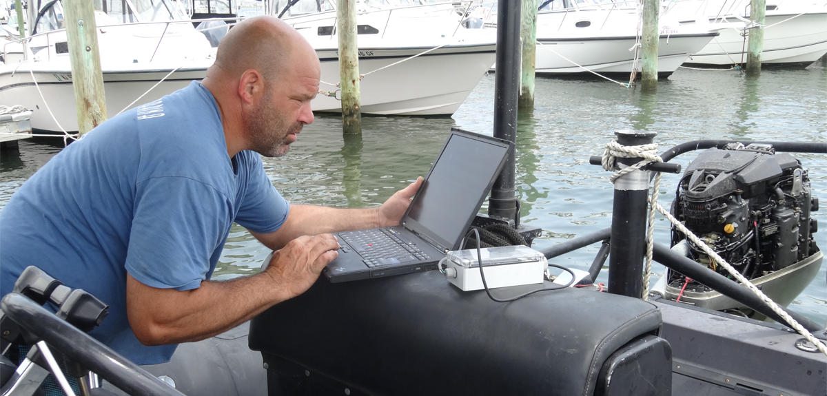 Factory-trained service technician for Yamaha and Honda outboard engines