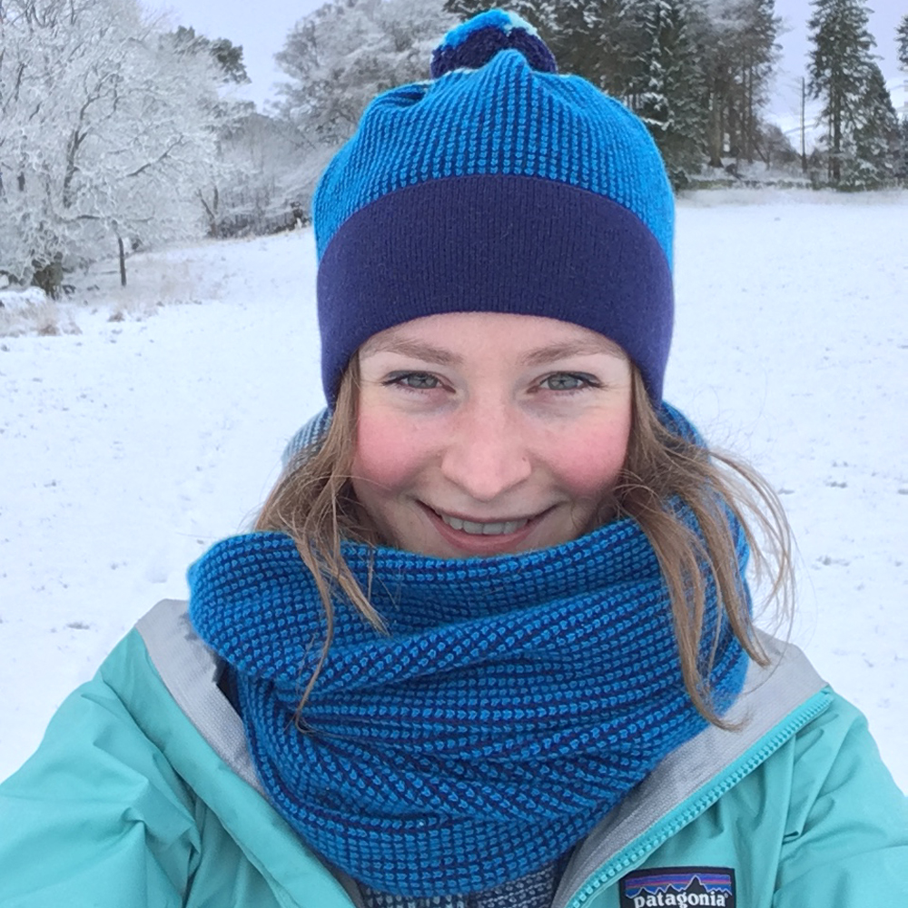 Obviously the snow has provided great opportunities to wear knitwear! And I chose my jacket to match my  Lismore hat  and  Lismore Blanket scarf !