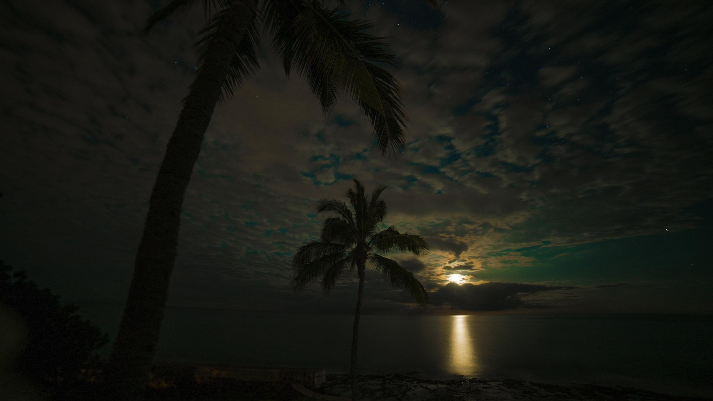 midnight-sun-in-hawaii copy.jpg
