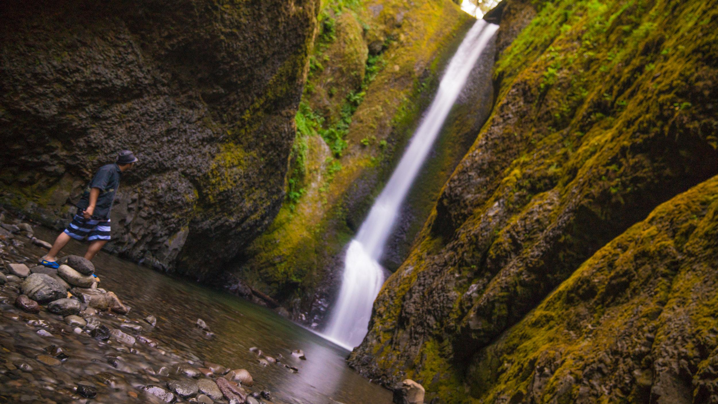 waterfall-selfie.jpg
