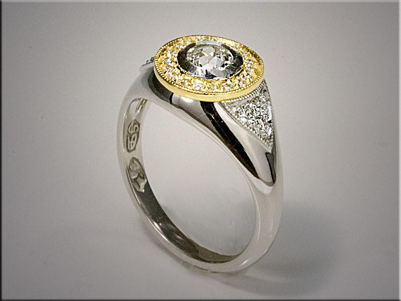 White and yellow gold diamond ring
