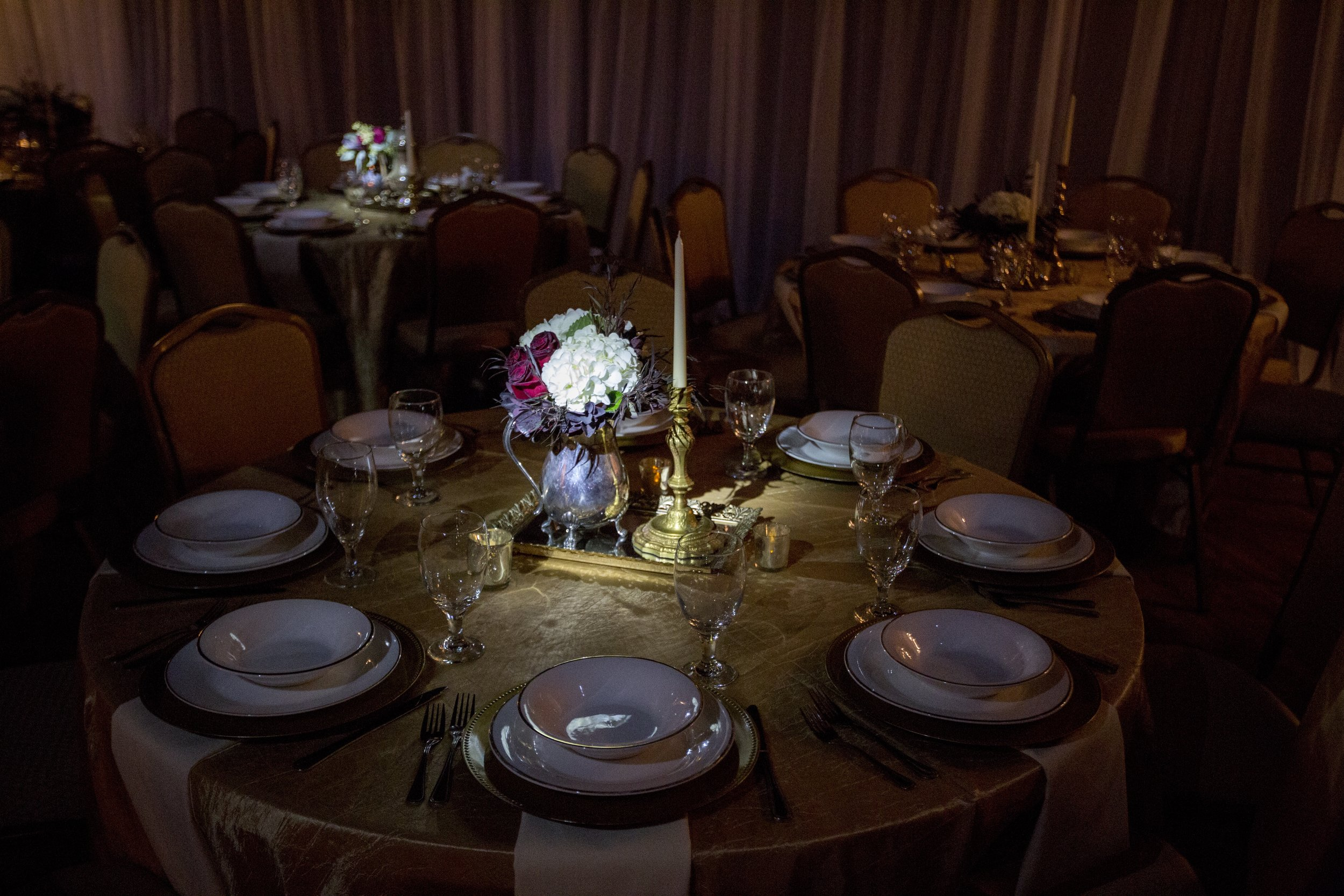 Our pinspot lighting really showcased these beautiful centerpieces by L designs!