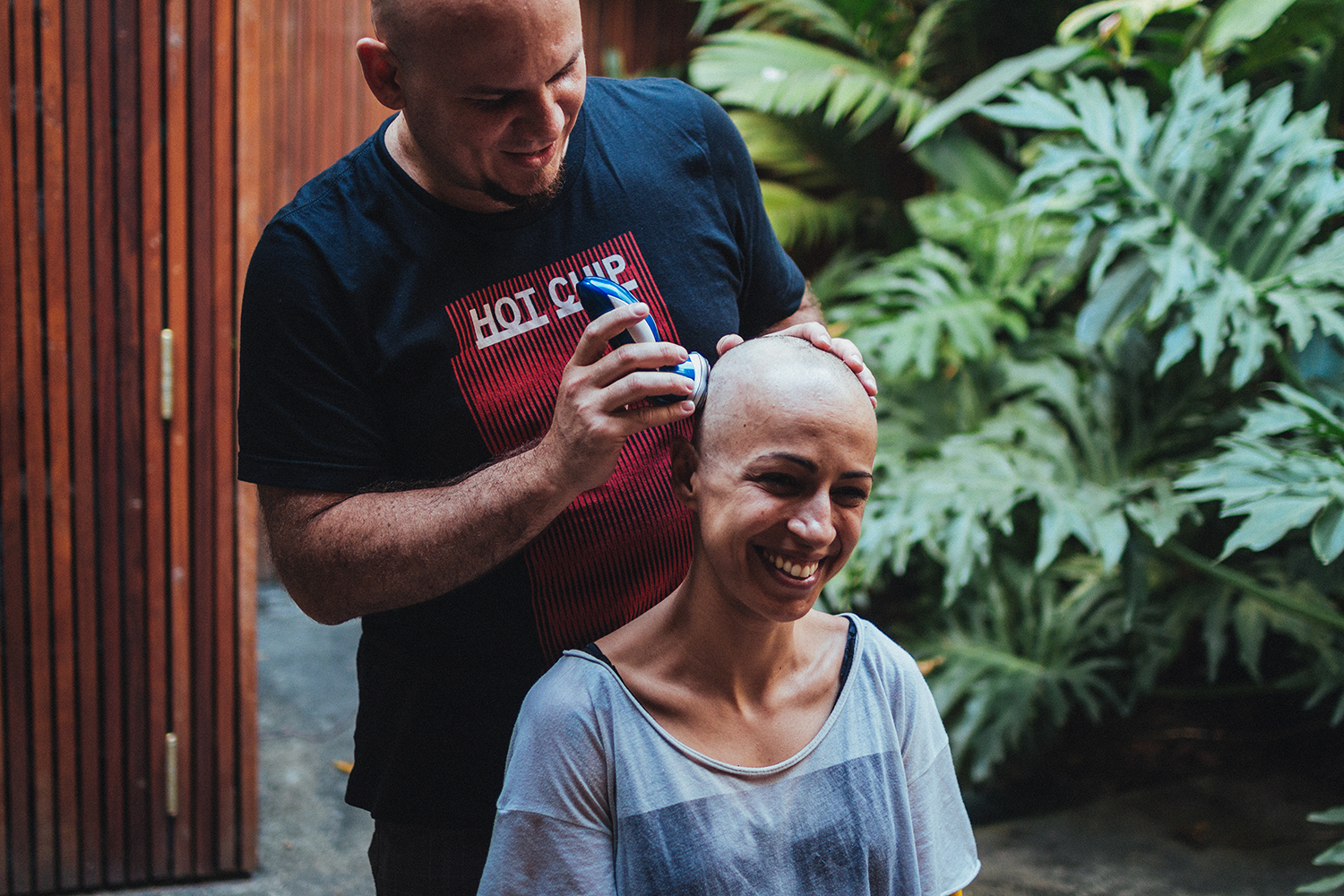 After having my hair cut really short, I had to shave my head. The short hair kept falling and falling, creating holes of empty space on my head. Ana Peres and Mauricio, my friends, went to my house almost every week to shave it.