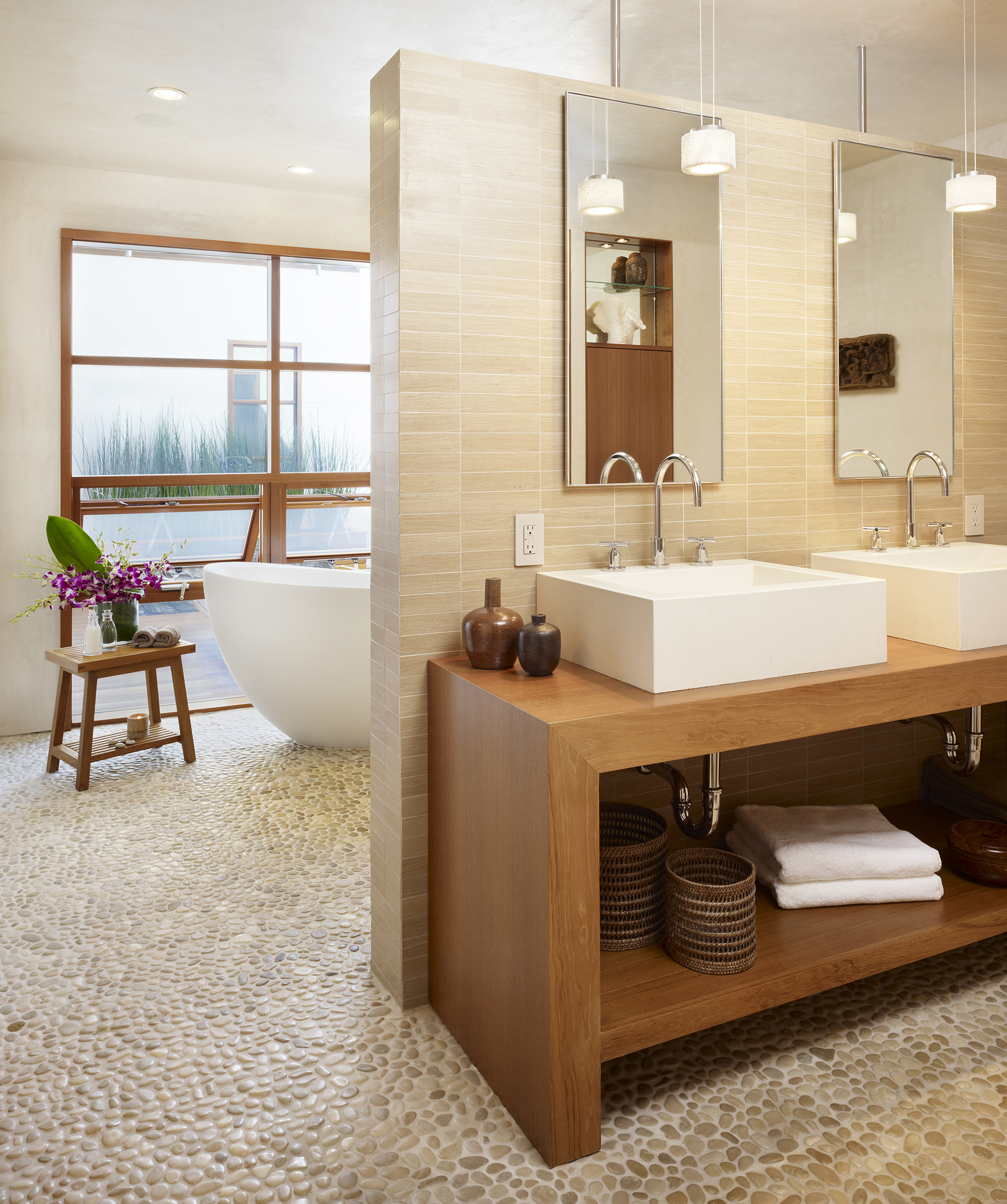 11  33rd Master Bathroom.jpg
