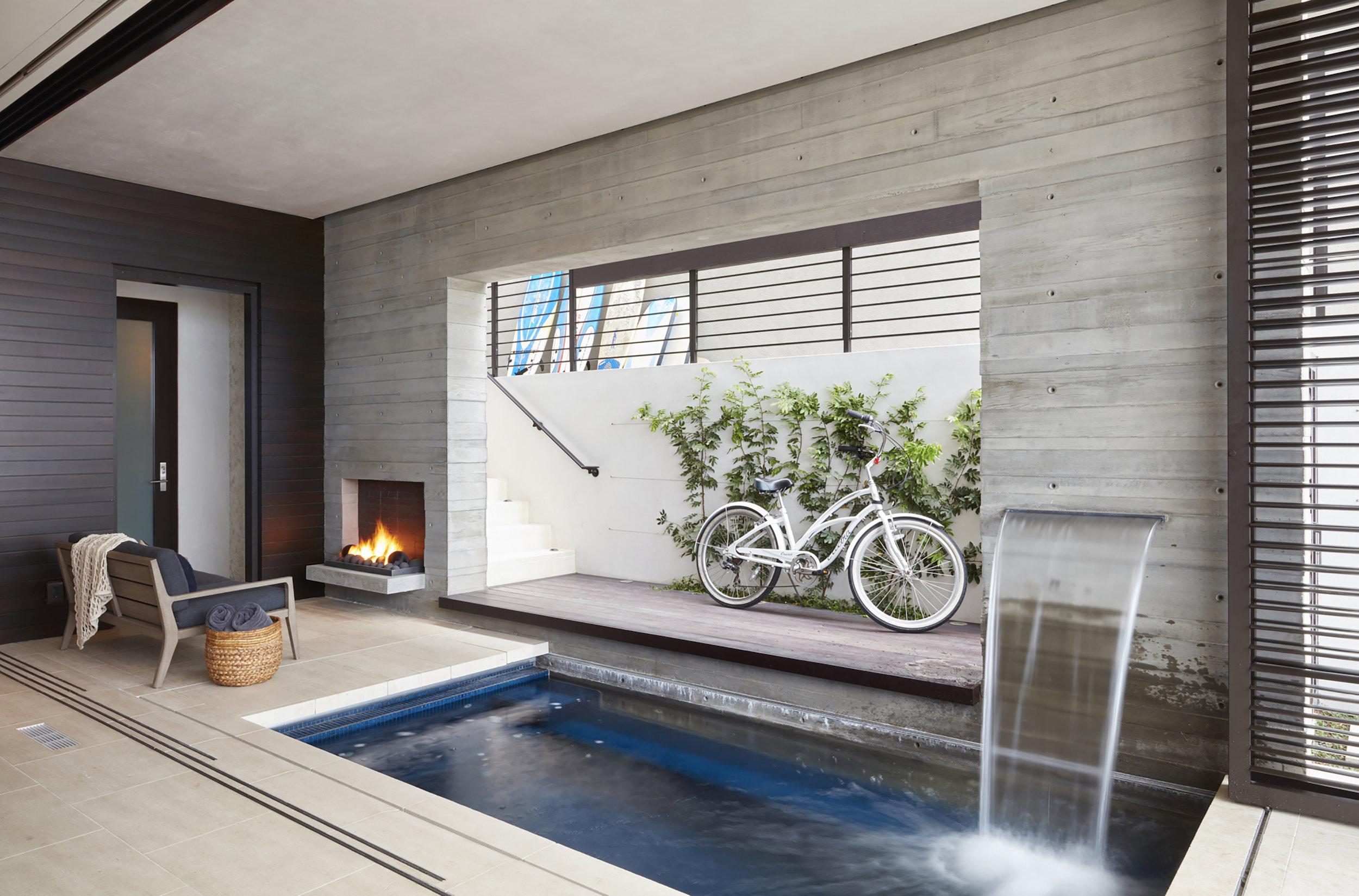 42++308+Beach+Room+Pool.jpg