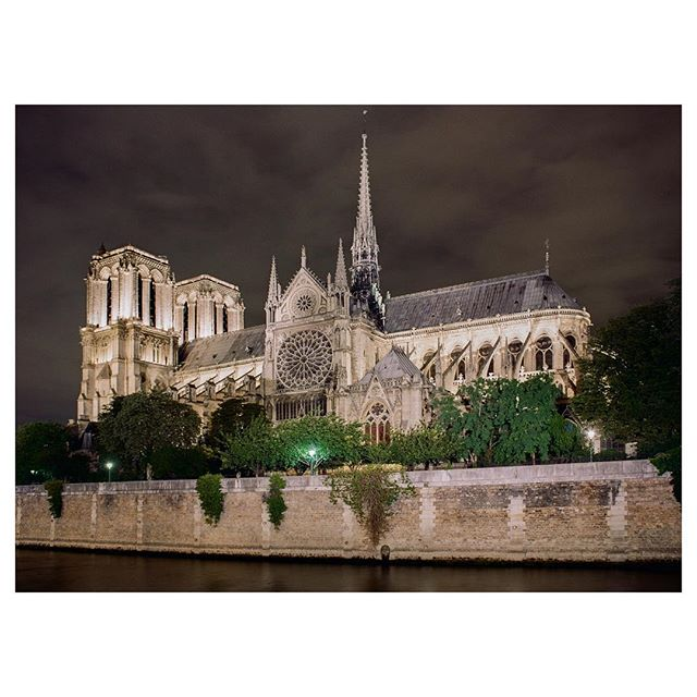 Theo took this photo on a night stroll last time when we in Paris as we were walking back to our airbnb right behind the Notre Dame... I feel very emotional at the loss of this beautiful cathedral (not complete but the spire, roofing, art..😓). Iconic symbol of Paris, one of my favorite places and so happy to have been able to see it in its wholeness, enjoy it in all of its original beauty 🙌🏼 ⛪  #notredame #vivelafrance #triste