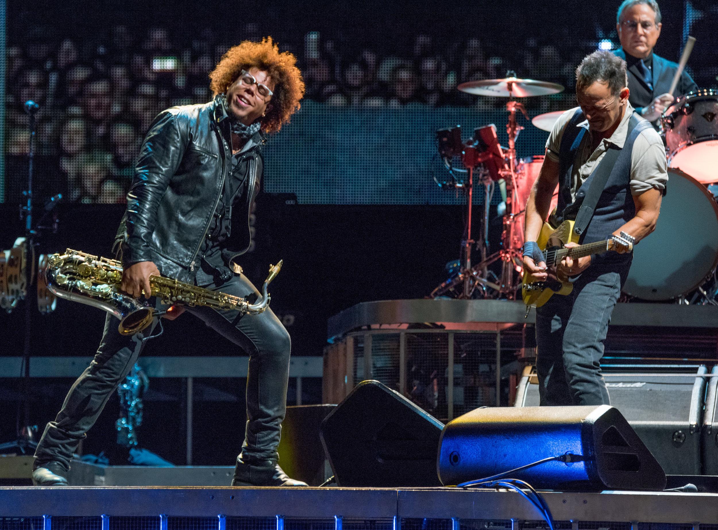 Springsteen_GilletteSept14_16-9283.jpg