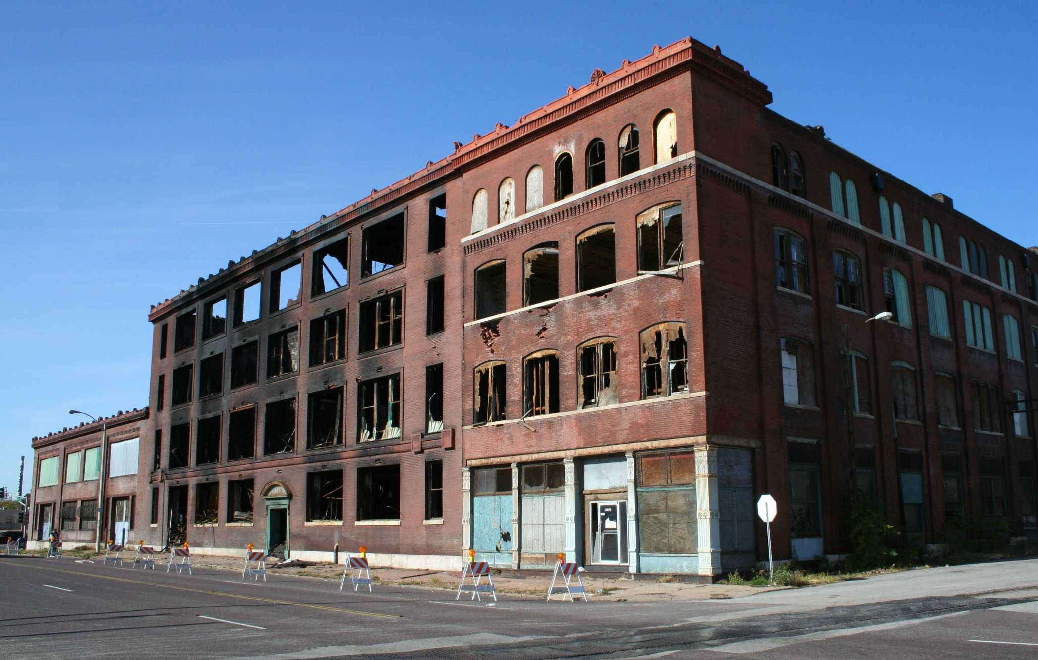 The property in question, at 1201 Cass Ave., before its demolition