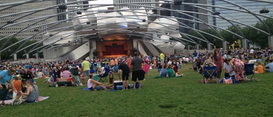 Jay-Pritzker-Pavilion-Millennium-Park-Chicago