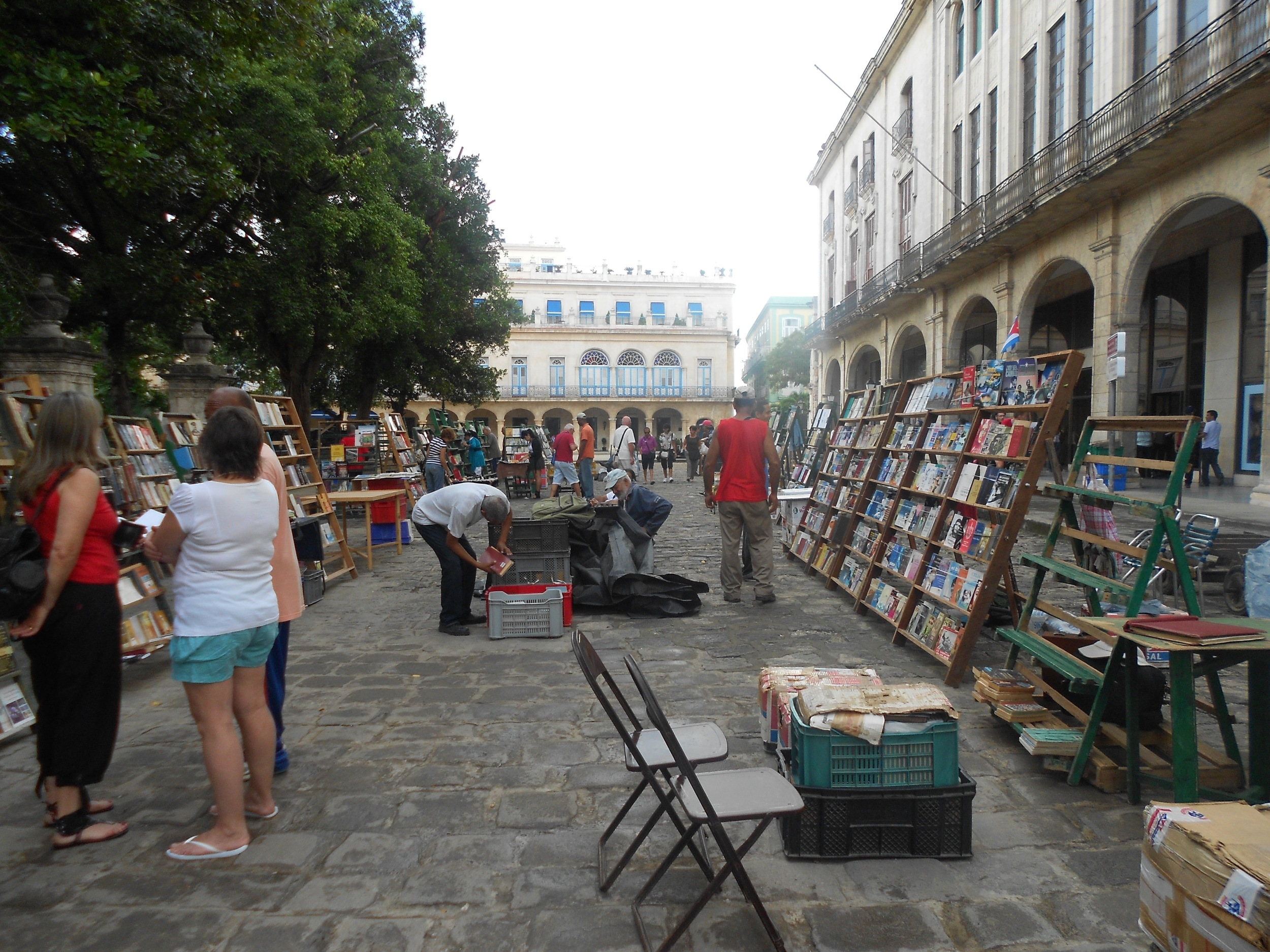 A (mostly Communist) book sale in the city center of Havana