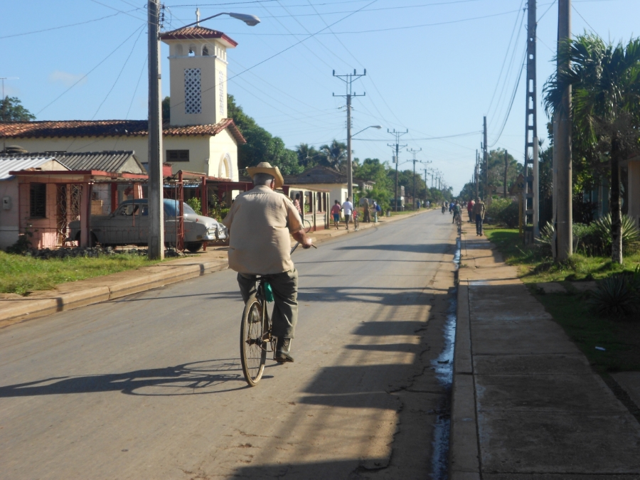 The walkable and bikeable town of Itabo