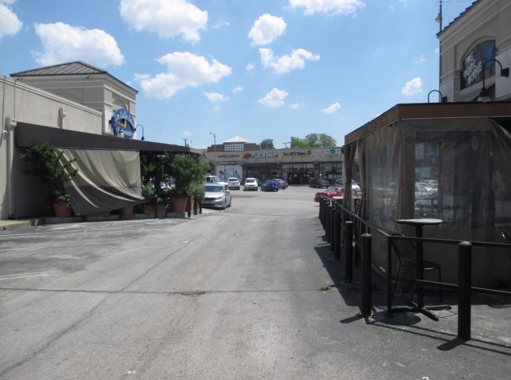 outdoor amenities in parking lot.jpg