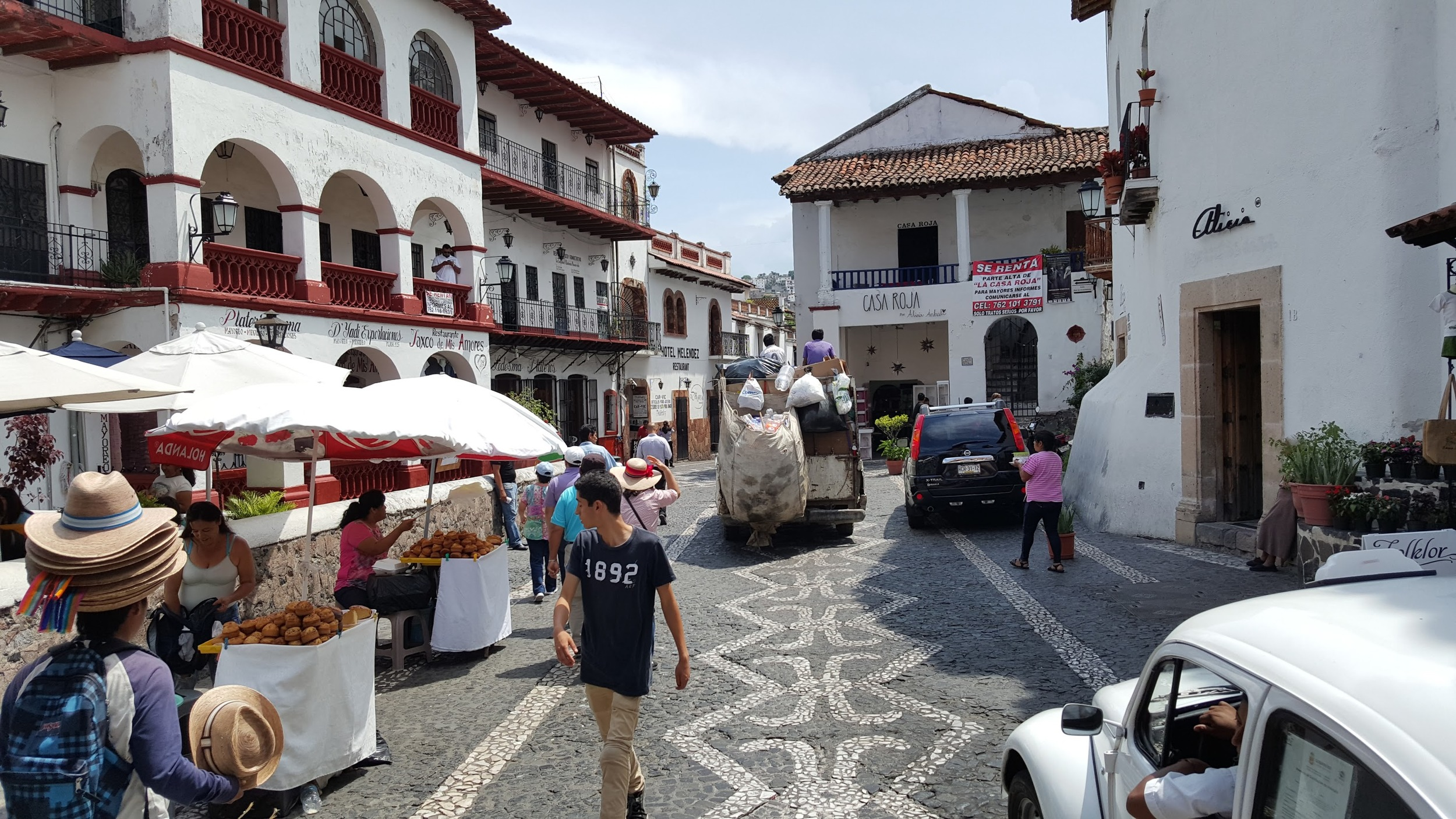An unbiased street in Taxco.
