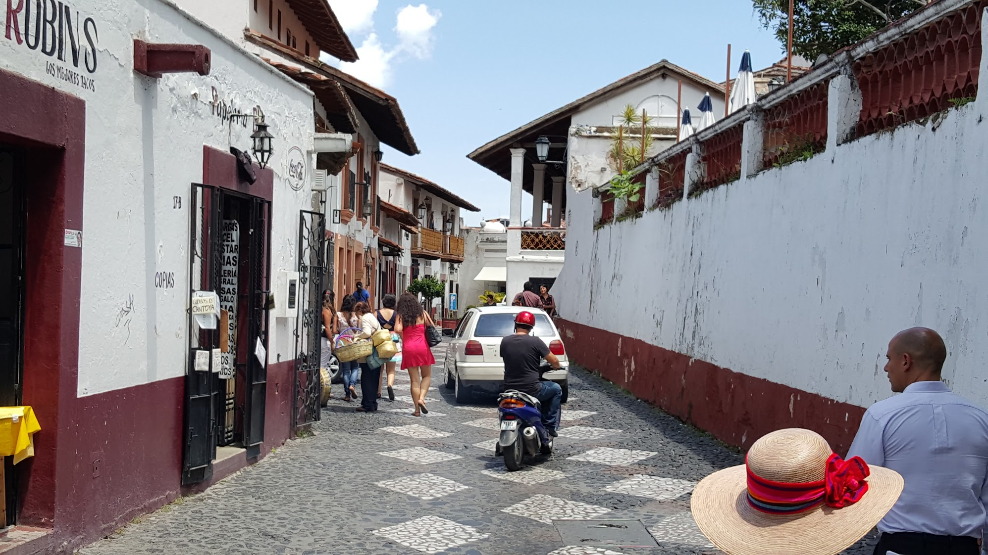 Back in Taxco again. I am looking forward to traveling more this year so I can get more reference photos!
