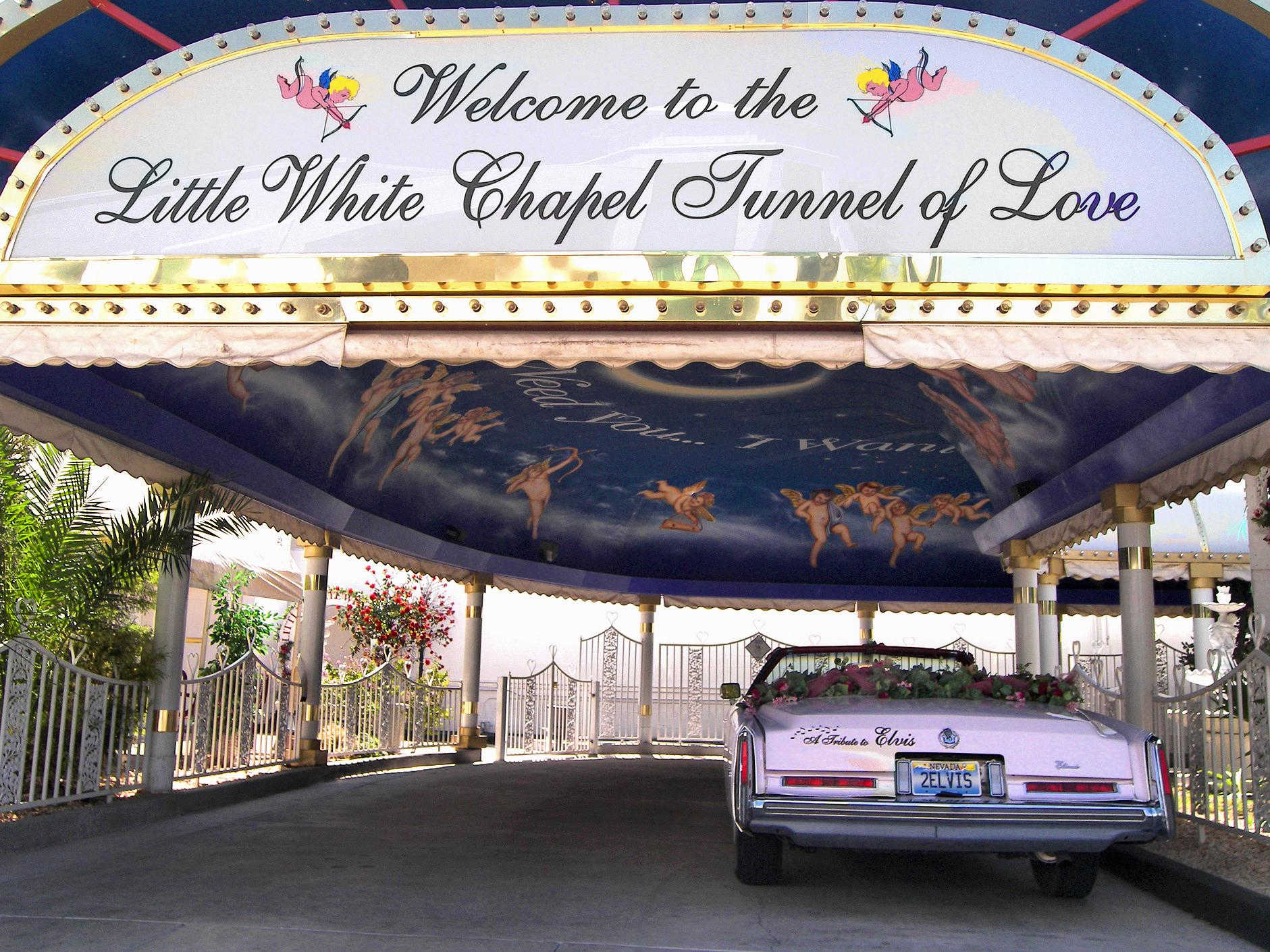 Little_white_chapel_drive_thru_2007.jpg