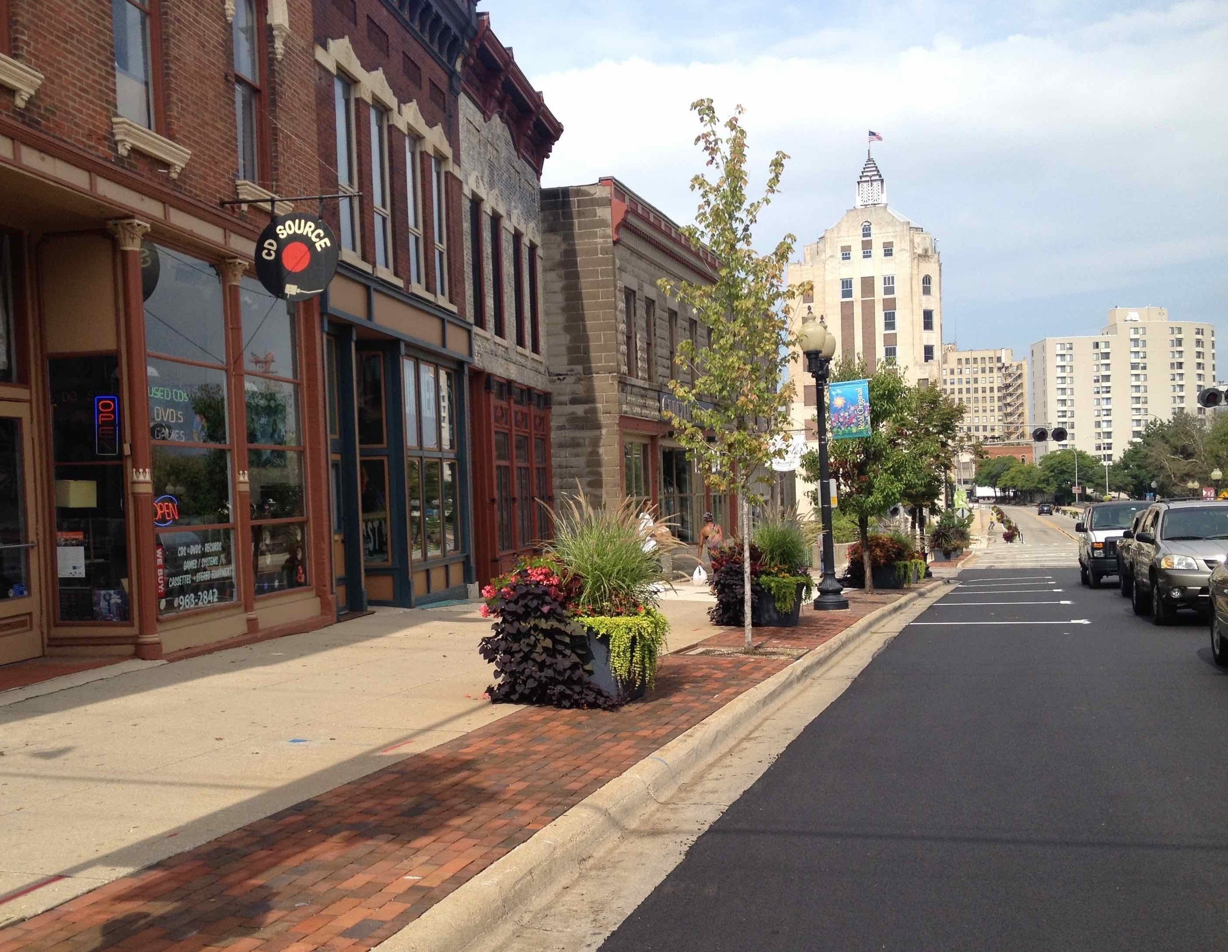 Mixed use buildings and safe sidewalks in downtown Rockford.