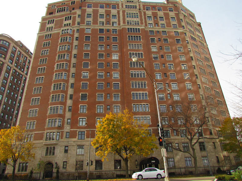 Seventeen-story building in Chicago.  (Photo credit: Chicago Crime Scenes )