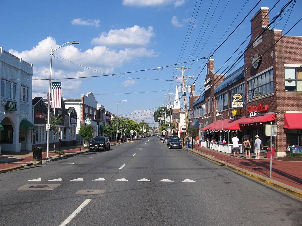 Main Street, Newark, DE (Image from  Wikimedia )