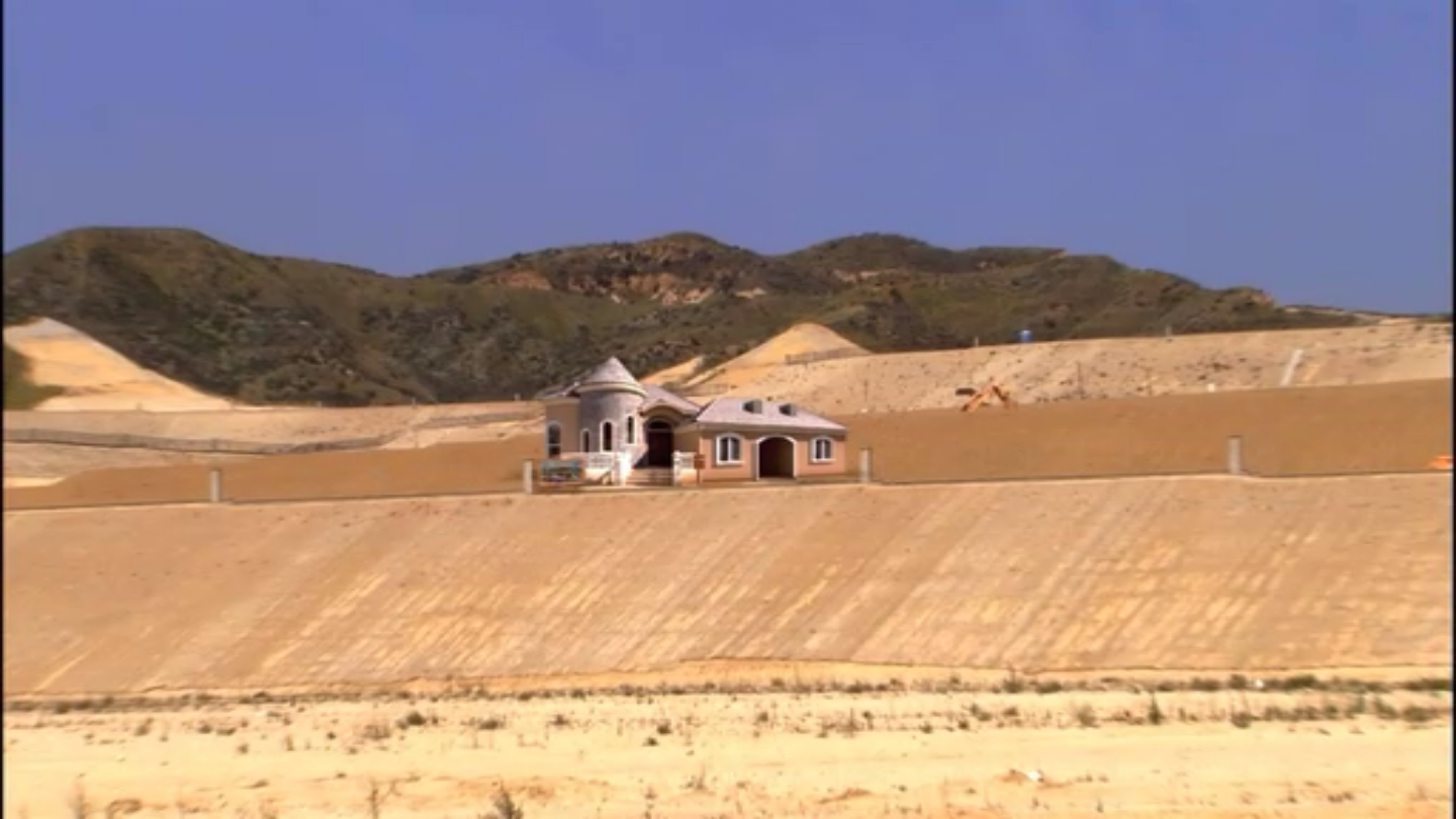 The Bluth's model home in Sudden Valley, CA (from  Arrested Development Wikia )