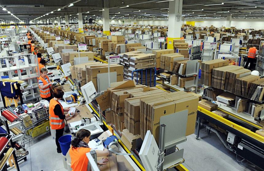 An Amazon warehouse. (Source:  Scott Lewis )