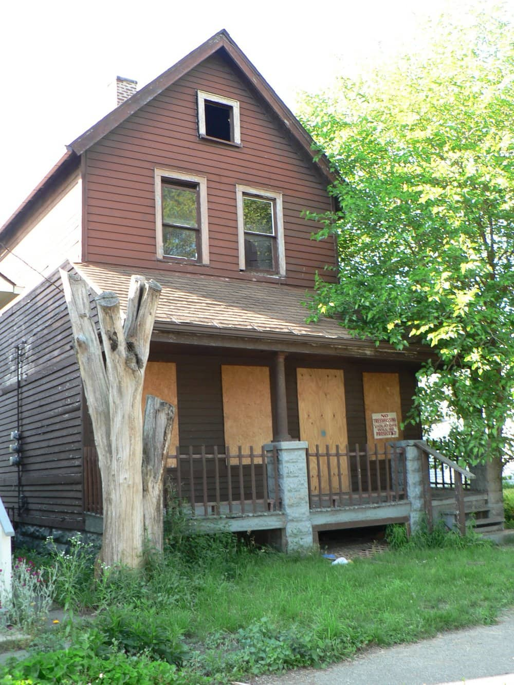 An abandoned home in Cleveland (Source: Wikimedia Commons)