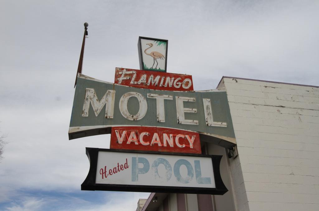 6old-motel-sign.jpg