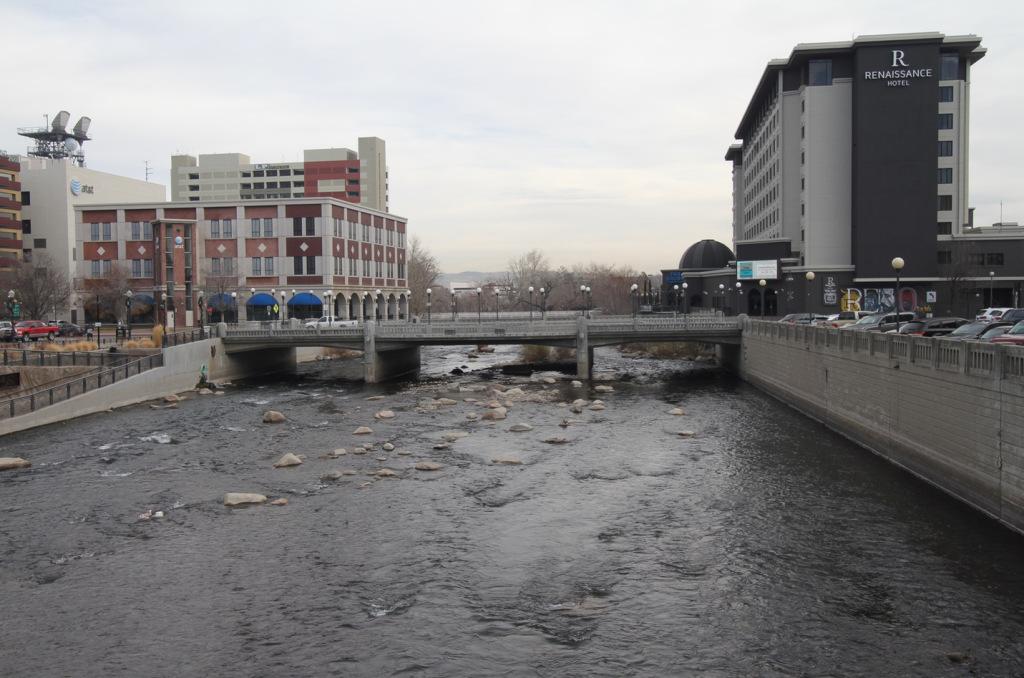 32buildings-on-river.jpg