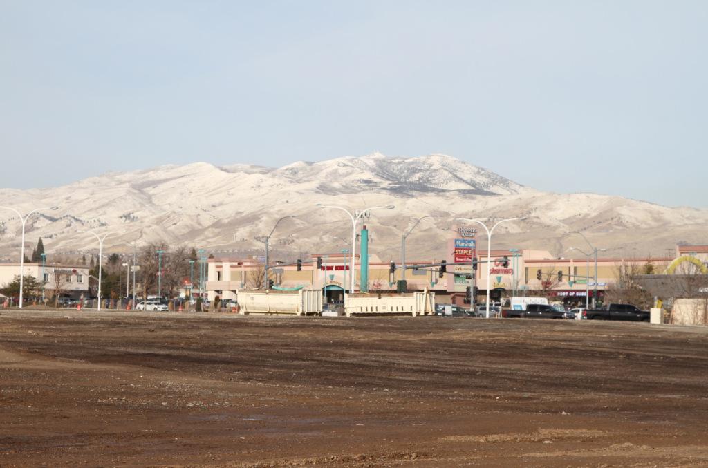 73dirt-mall-mountain.jpg