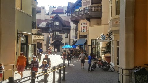 Lionshead Village in Vail, CO (Source: Andrew Price)