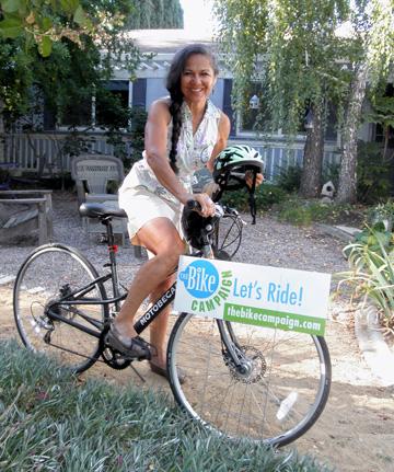 Maria Contreras Tebbutt teaches bike safety in Woodland, California (Credit: Kate Hoff)