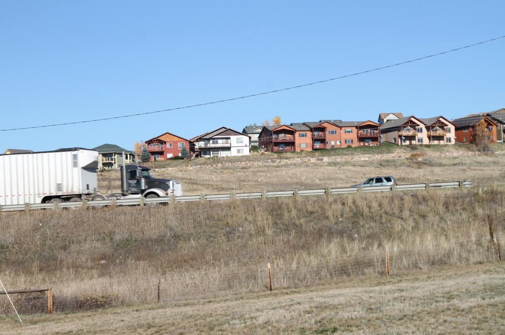 9rural-highway-homes.jpg