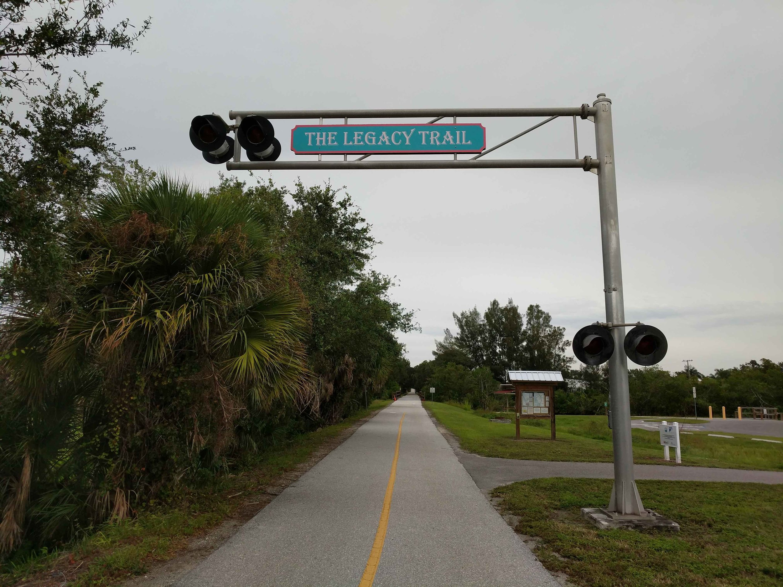 The Legacy Trail in Sarasota, Florida (Source: Wikimedia Commons)