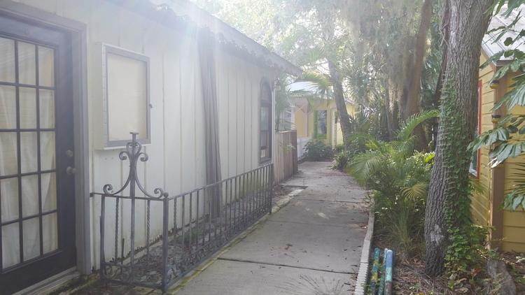 "One of my favorite ""secret passages"" I've found walking around Sarasota. (Photo: Daniel Herriges)"