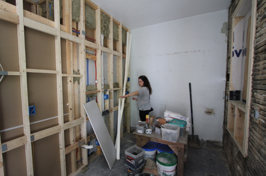 lady-interior-construction.jpg