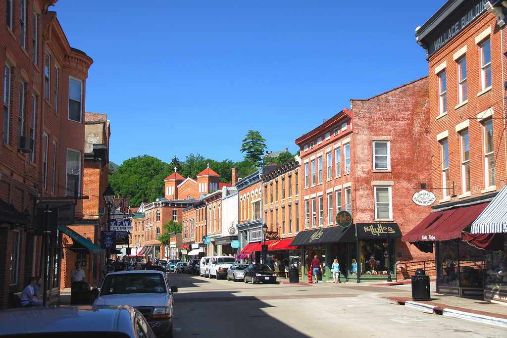 Traditional development in Galena, Illinois (Source: Wikimedia Commons)